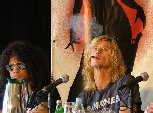 Duff & Slash.  Credits to Duff Mckagan always King Of The World Facebook page,link of the page : https://www.facebook.com/pages/Duff-Mckagan-always-King-Of-The-World/374689889250959?sk=timeline