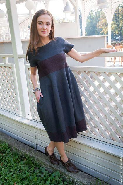 Купить или заказать Валяное платье Крылья голубки в интернет-магазине на Ярмарке Мастеров. Изящное элегантное платье нетривиального цвета и необычного силуэта буль весьма комплиментарно фигуре, в нем Вы будете чувствовать себя комфортно и уютно. Пластичный войлок, удобные кармашки, спокойная цветовая гамма - это платье имеет все шансы стать Вашим фаворитом)) фотограф - Ковыл…