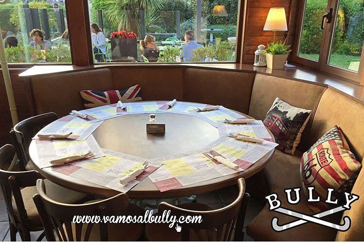 Te estamos esperando para comer y comentar el palmarés del #zinemaldia en el #vamosalbully #donostia #sansebastian este domingo electoral