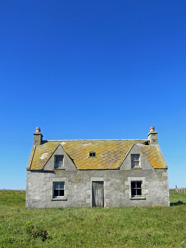 Taigh = House Dorus = Door  Uinneag = Window Seòmar-Cadail = Bedroom  Taigh-Beag = Bathroom  Cidsin = Kitchen  Mullach-Taighe= Roof of House