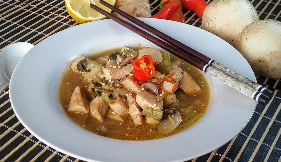 """ Thai Chicken Soup "" Easy Food Recipe http://ift.tt/28OsVVk Breakfast Idea Chicken Recipe cooking Easy Food Recipe Food Recipes Healthy Lunch Ideas Healthy lunches lunch"
