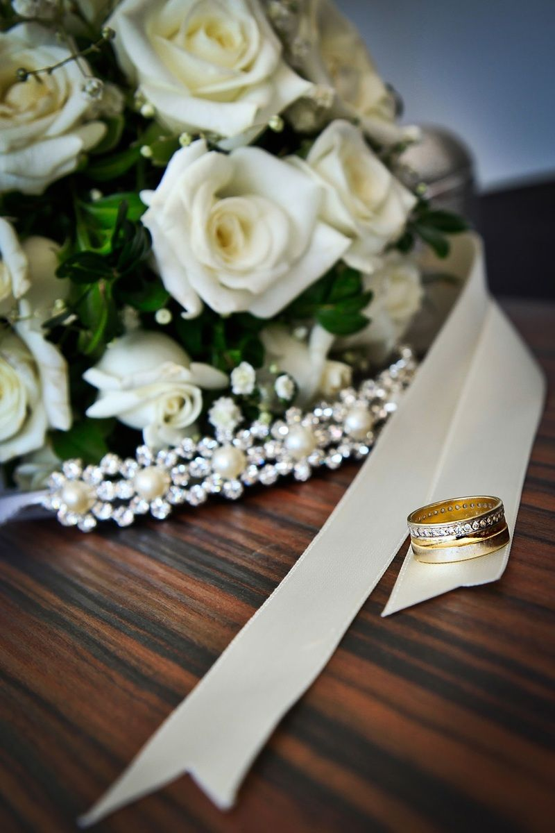 New free photo from Pexels: https://www.pexels.com/photo/wedding-ring-detail-flowers-38522 #flowers #marriage #wedding