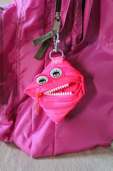 Enter to win a Zipit Monster Pouch!  US, 1/14 #zipit #pencilpouch #giveaway @justzipit