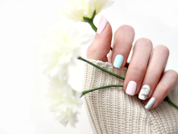 soft pastel nailart marble