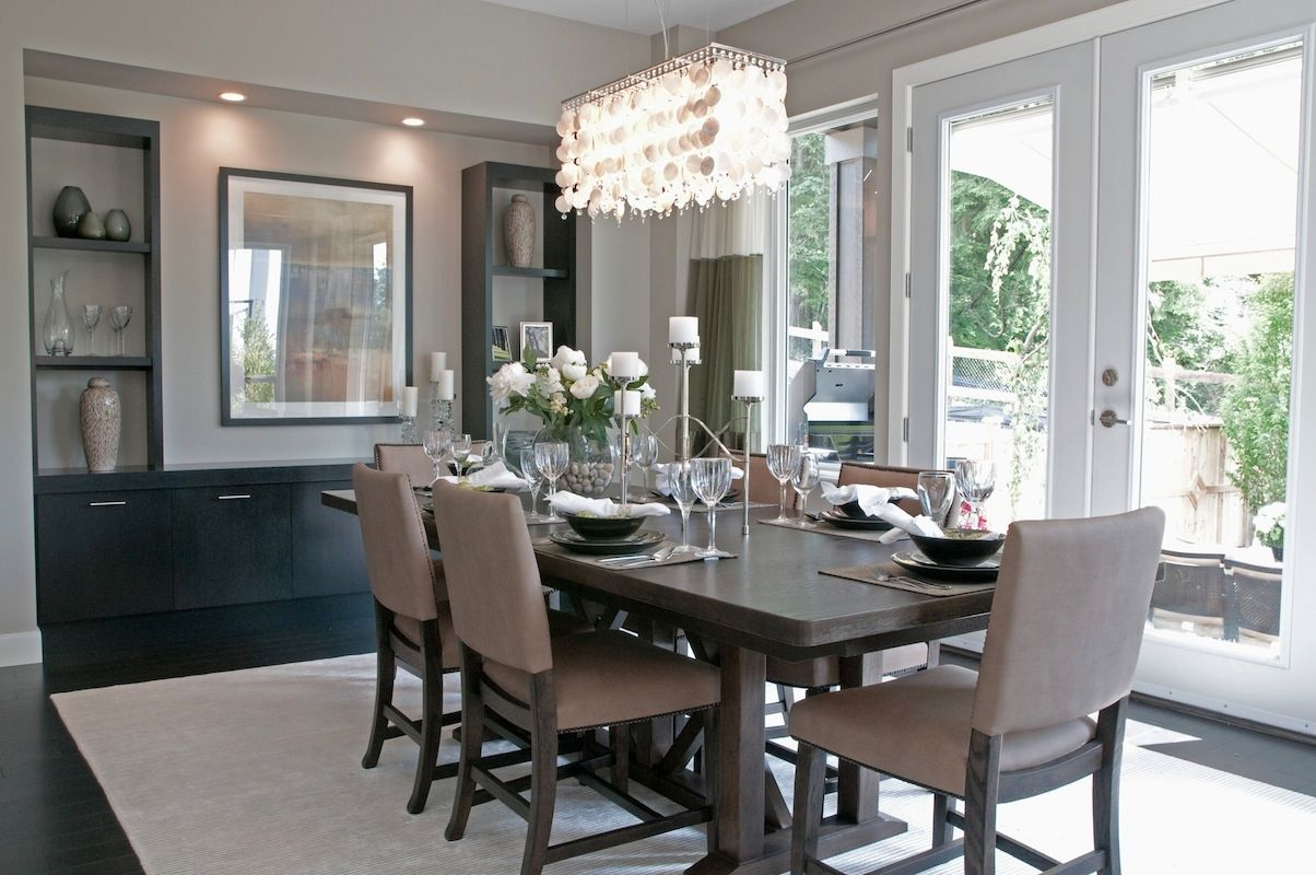 20 Gorgeous Dining Rooms With Beautiful Chandeliers Beige Dining Room Dining Room Small Dining Room Furniture Modern