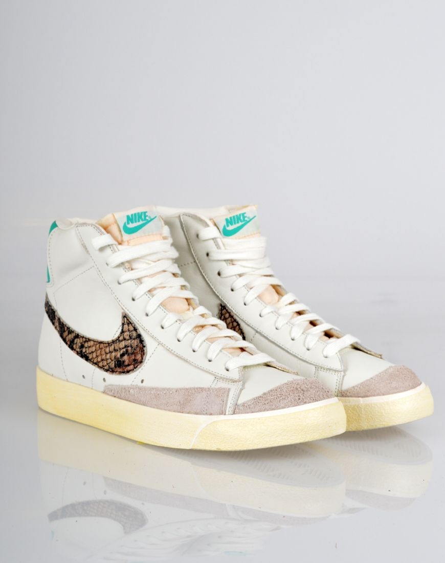new concept best choice factory outlet Nike Blazer Mid 77 Limited Edition Leather Trainers - White ...