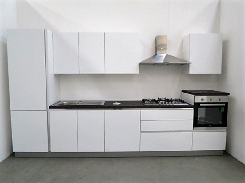 Cucina lineare moderna lineare con 4 elettrodomestici in Offerta ...