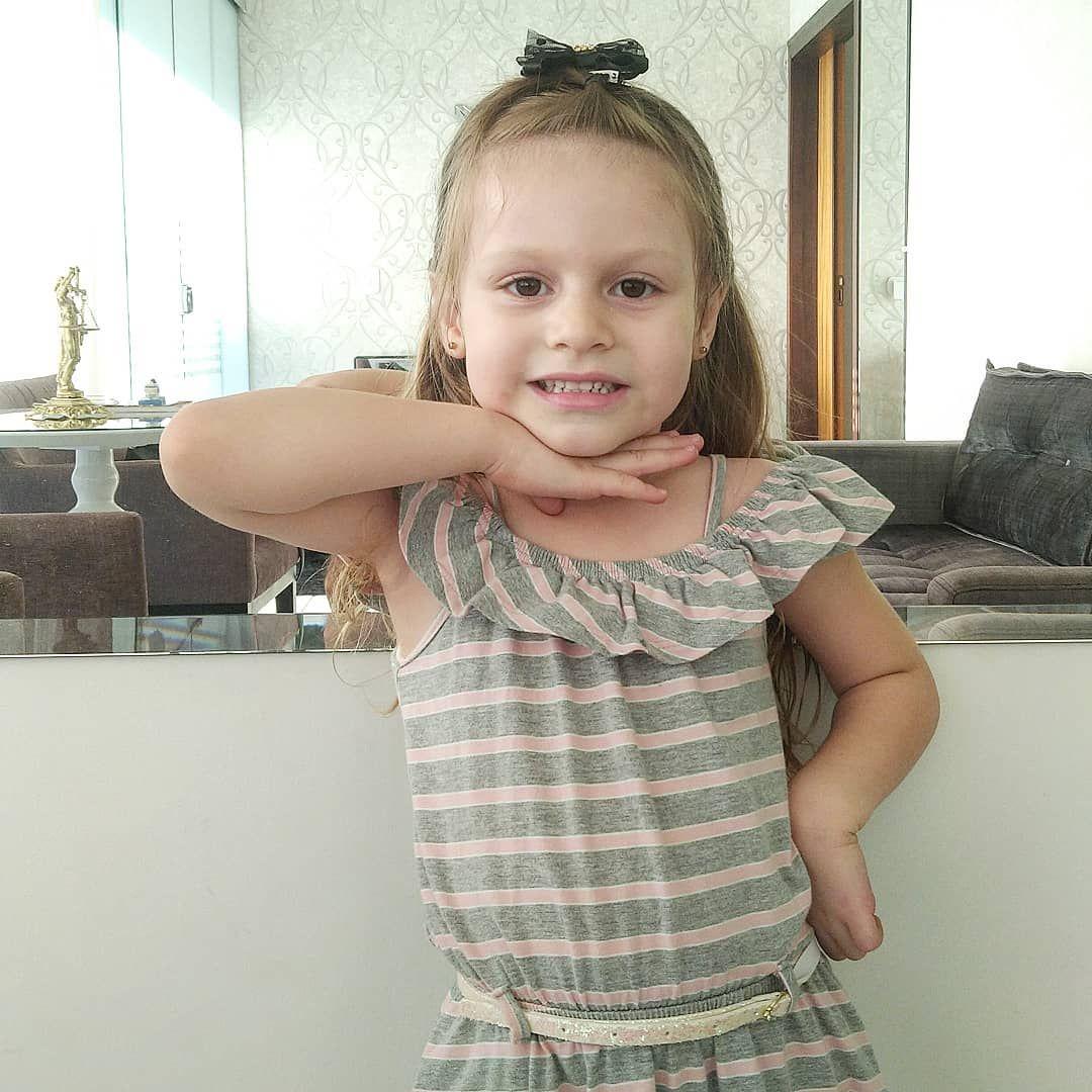 """Ótimo início de semana pessoal"" 😘 . #amor #daughter #filha #baby #babygirl #kids  #princesa #princess #doll  #love #familia #week #family #life #happy #instagood #photography #school #bambino #god  #smile #positividade #piece #cutebaby #cute #like #igers #brazil #love"