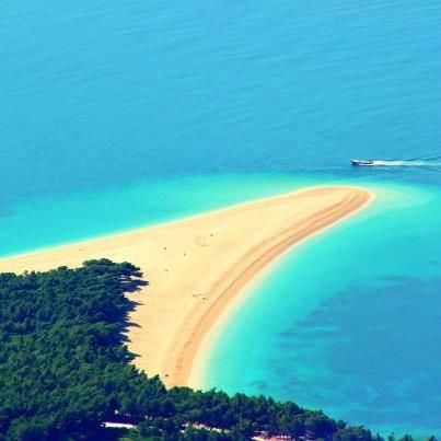 Praia de Zlatni Rat, Croácia