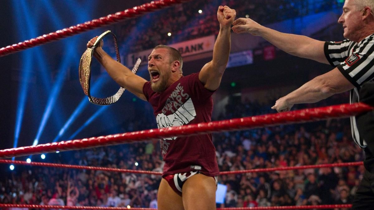 Photos: Every Money in the Bank cash-in ever | WWE Superstars Pose ...
