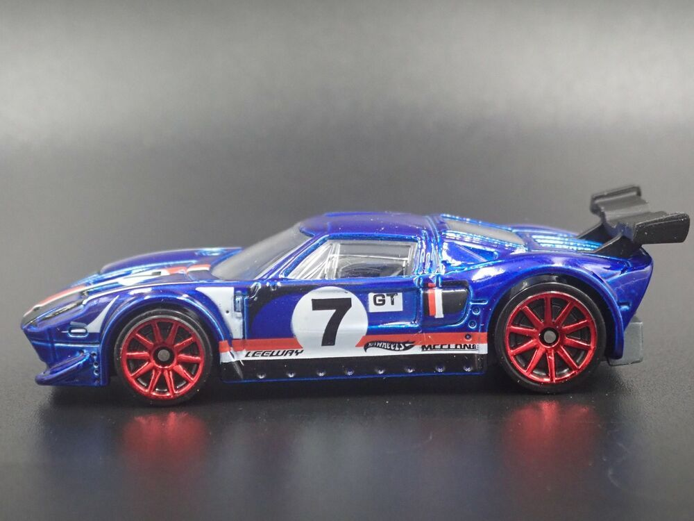 2005 2006 Ford Gt Lm Rare 1 64 Scale Collectible Diorama Diecast