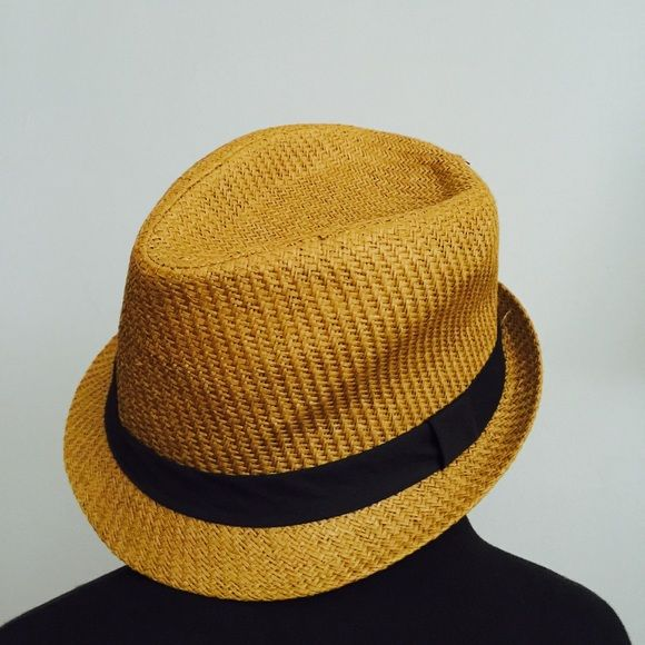 43681c8bb79 ⬇30% bundles Urban Outfitters Straw Fedora Hat SALE! Get extra 30% off on  bundles with my closet Cleanout sale! Urban Outfitters label Brown Straw Hat  with ...