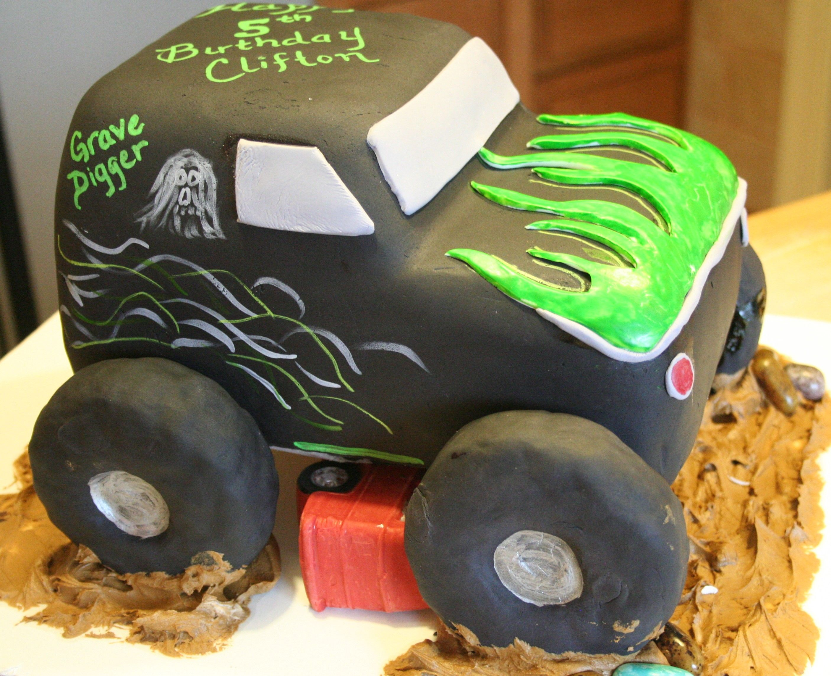 Monster truck cake Party Ideas Pinterest Truck cakes Cake and