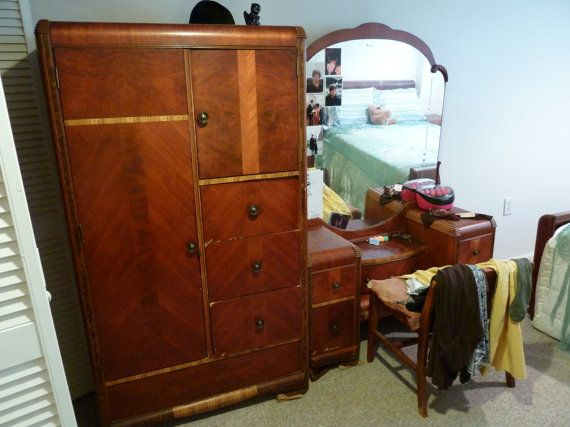 Perfect For The Extra Bedroom Full Bedroom 1930s 7 Piece Art Deco Complete Waterfall Be Art Deco Bedroom Furniture Antique Bedroom Furniture Art Deco Home
