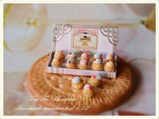 Cupcakes - Tiny Ter Miniatures