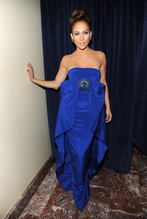 409ea47bb7f3 jennifer lopez - royal blue dress | Jennifer Lopez | Strapless dress ...