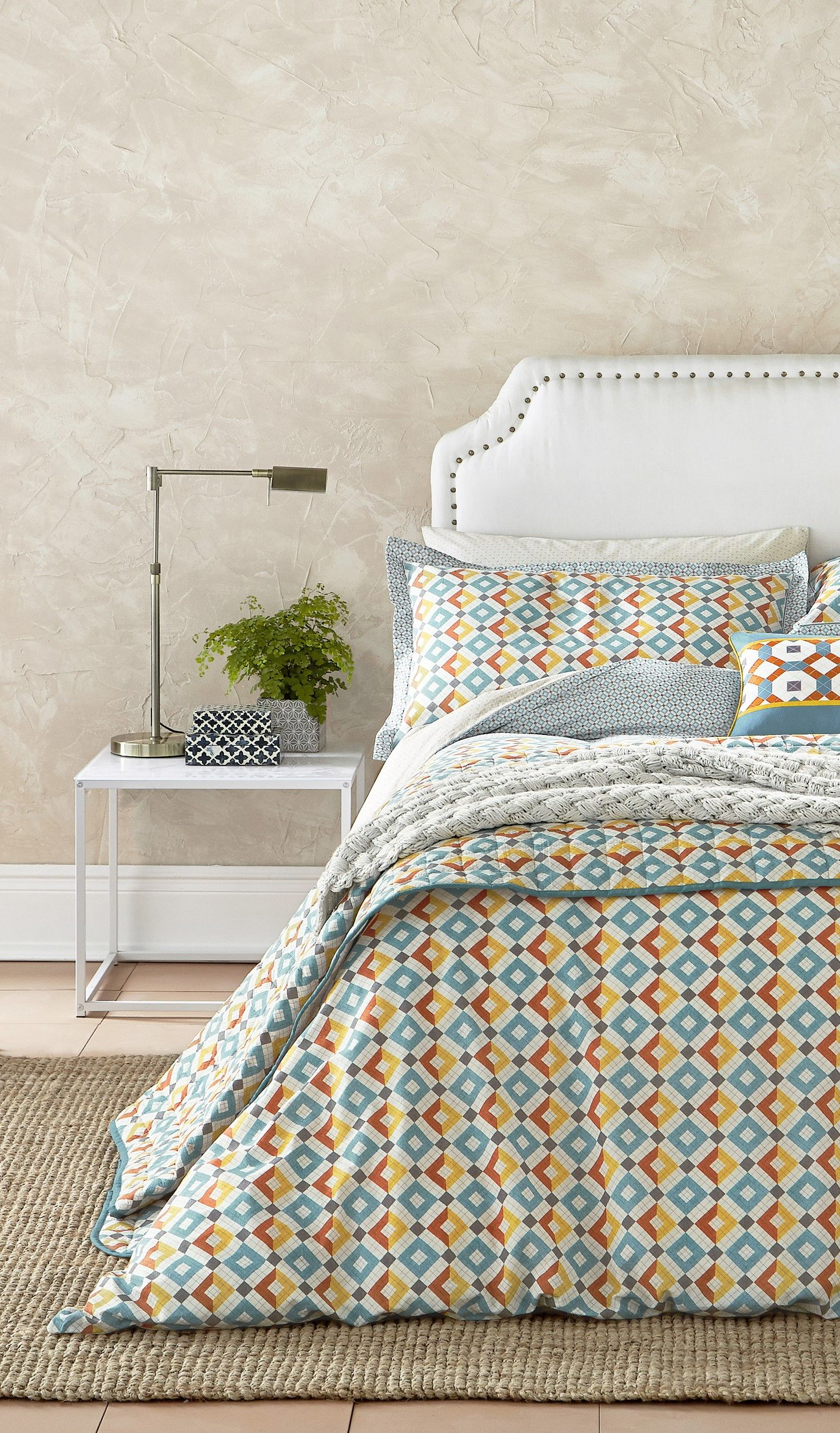 Based on one of the Pompeian drawings illustrated in Owen Jones's the grammar of ornament, this bed set is elegantly decorated with details of the ancient Grecian and Roman mosaics, studied by Jones during the 19th century. Add warming layers with a grey chunky knit throw with diamond pattern and accessorised with a cotton canvas cushion featuring a digital mosaic print.