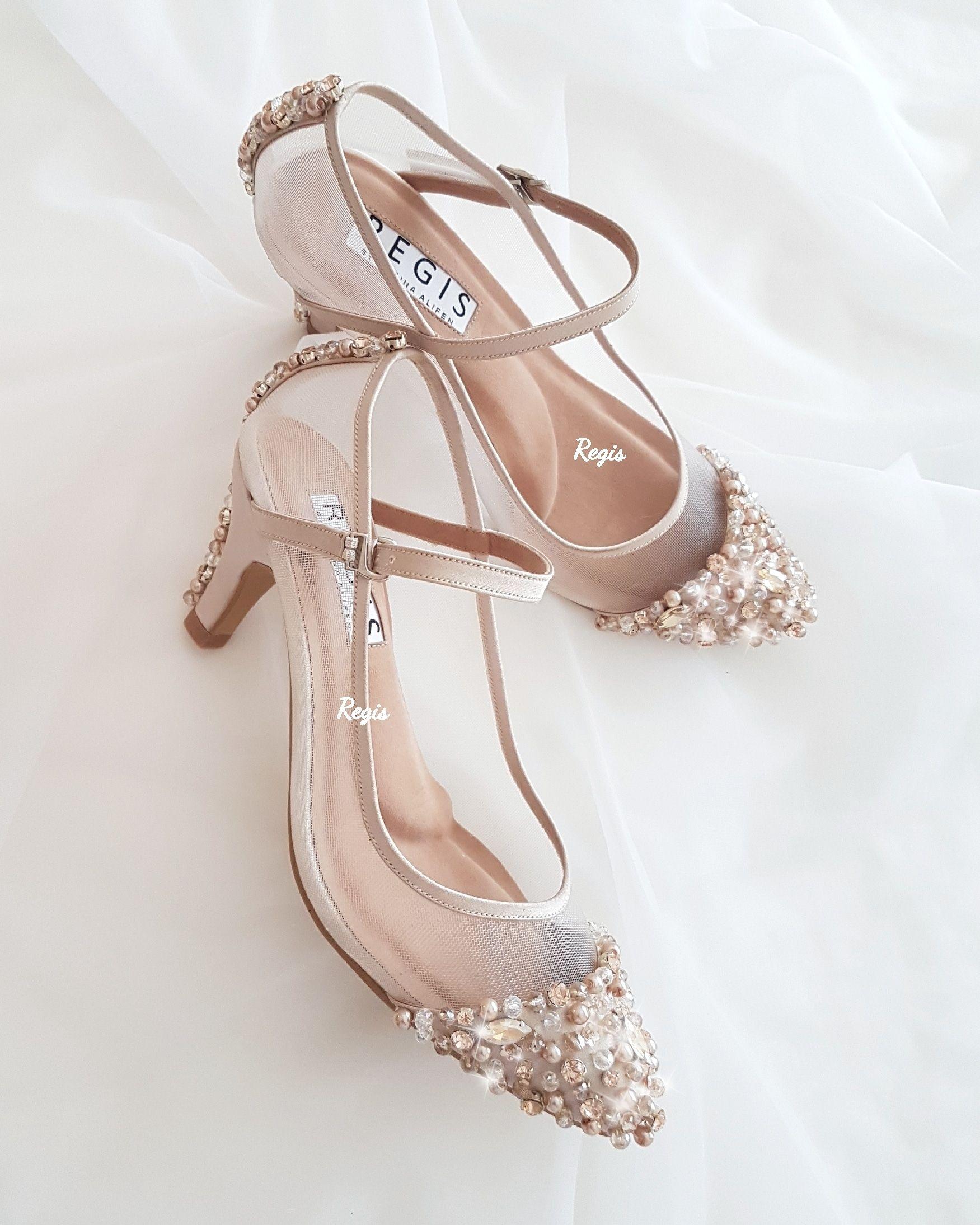 Ini Luar Biasa Karya Hebat Dari Regis Bridal Shoes Https Www Bridestory Com Id Regis Bridal Shoes Projects Re Sepatu Pengantin Sepatu Perkawinan Sepatu Lucu