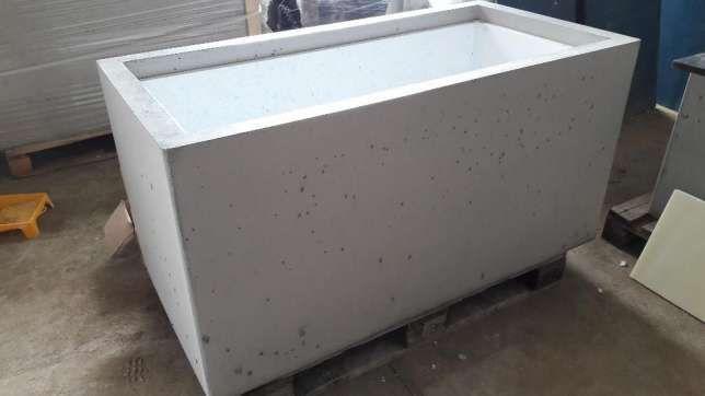 Chłodny Duże donice betonowe 140x70x70 - Beton architektoniczny Białystok VG77