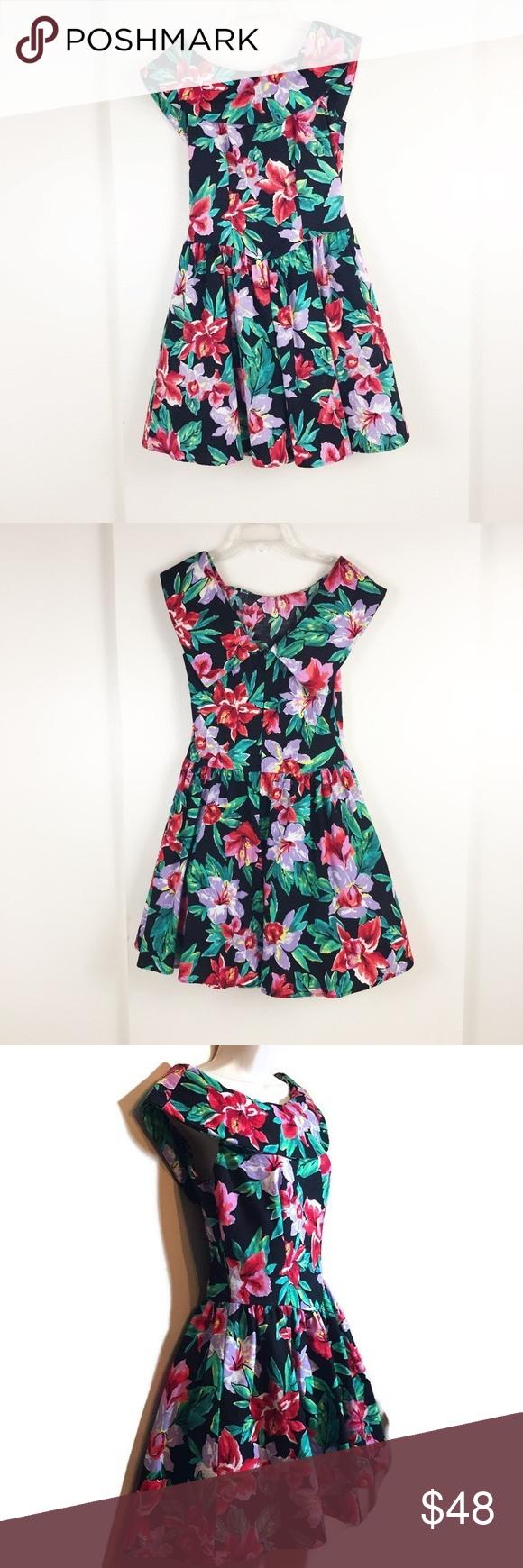 069dba4432b Joni Blair 90s vintage floral dress size 5 Throwback to Kelly kapowski  anyone  This is