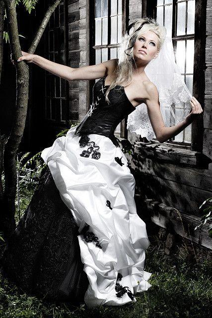 Schwarz weisses Brautkleid Vokuhila - Black and white ...