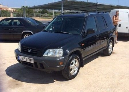 1998 Honda CRV 2995 Euros Mileage: 175000 Body Type: 4x4 Model Year: 1998  Engine Size: 2.0L Trans: Automatic Fuel Type: Petrol Ext Color: Black