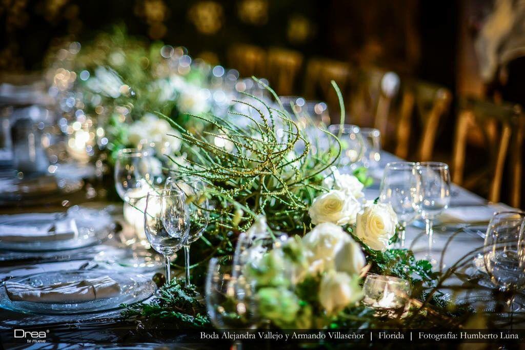 Montaje de mesa de bodas