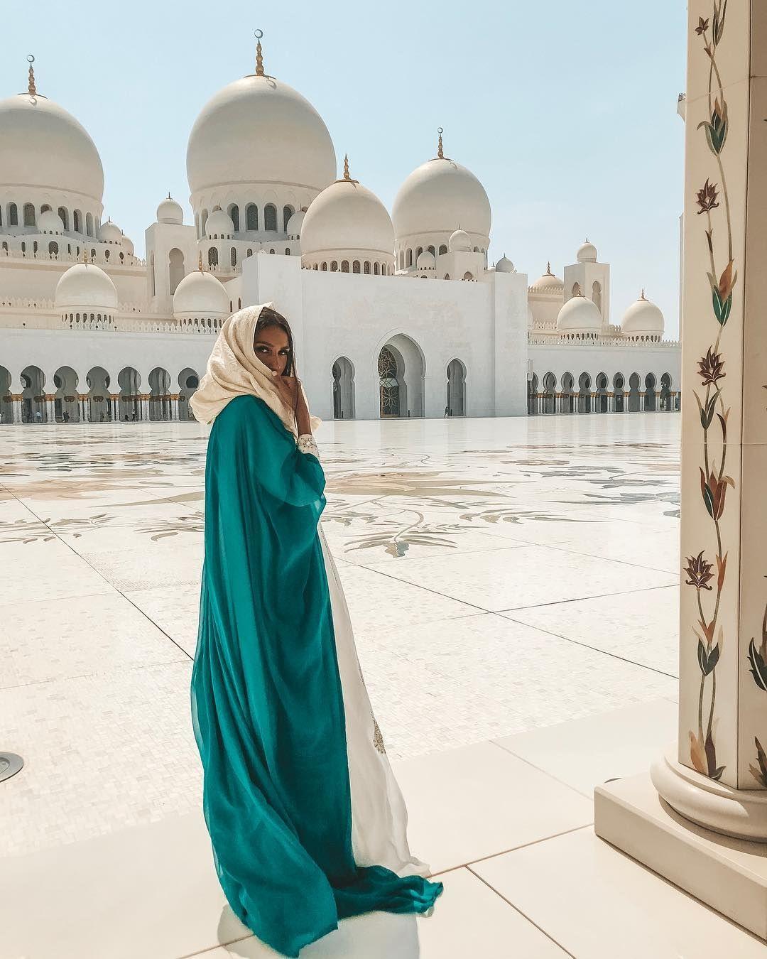 At Sheikh Zayed Mosque Dubai Travel Dubai Vacation Abu Dhabi