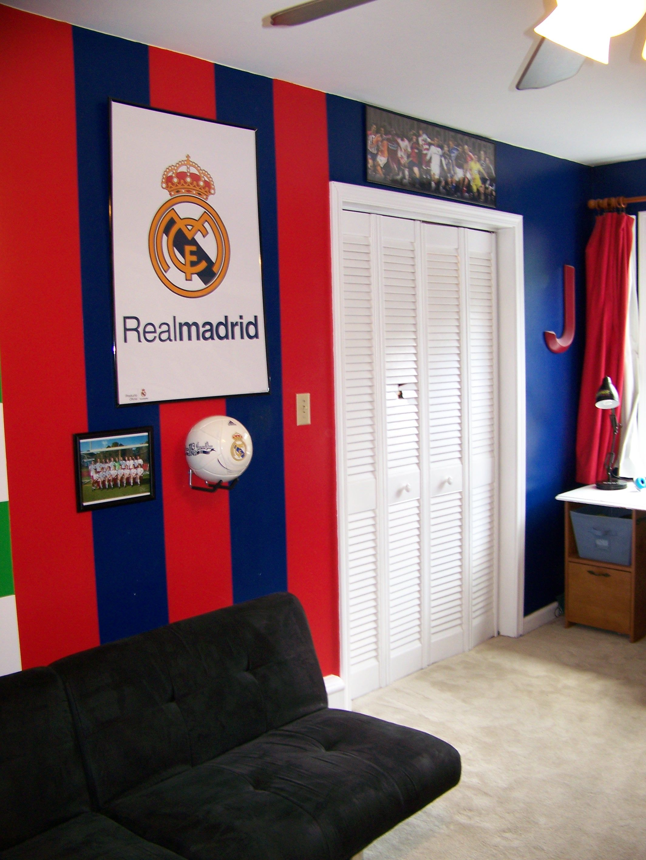 Real Madrid colors painted and decorated in Jake's bedroom