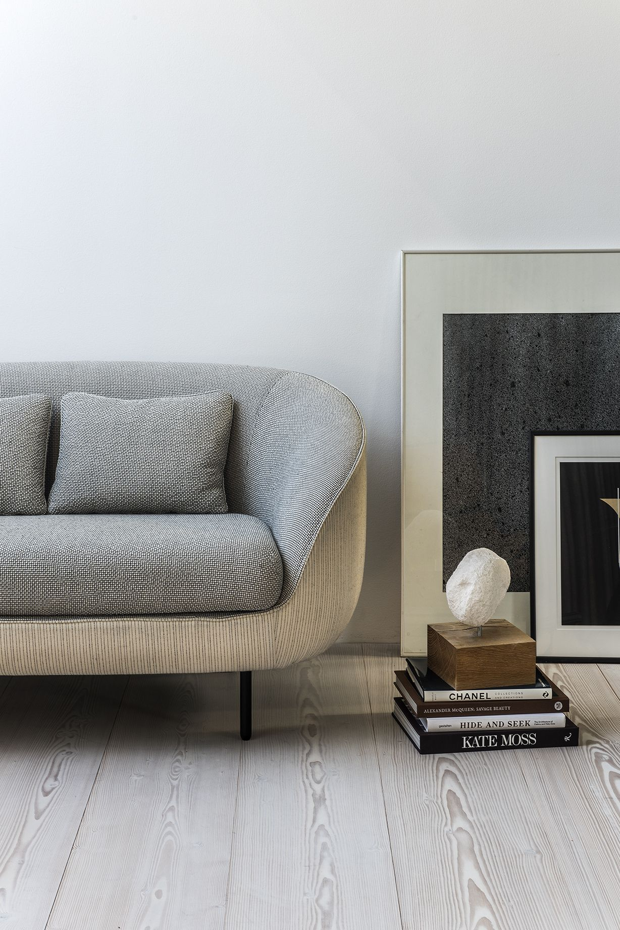 gorgeous living room with alternative side table. Fredericia sofa Haiku Low by GamFratesi. Haiku is an eye-catching and inviting design statement for hotel lobbies, executive offices and private homes. The modern contemporary design partners well with bot