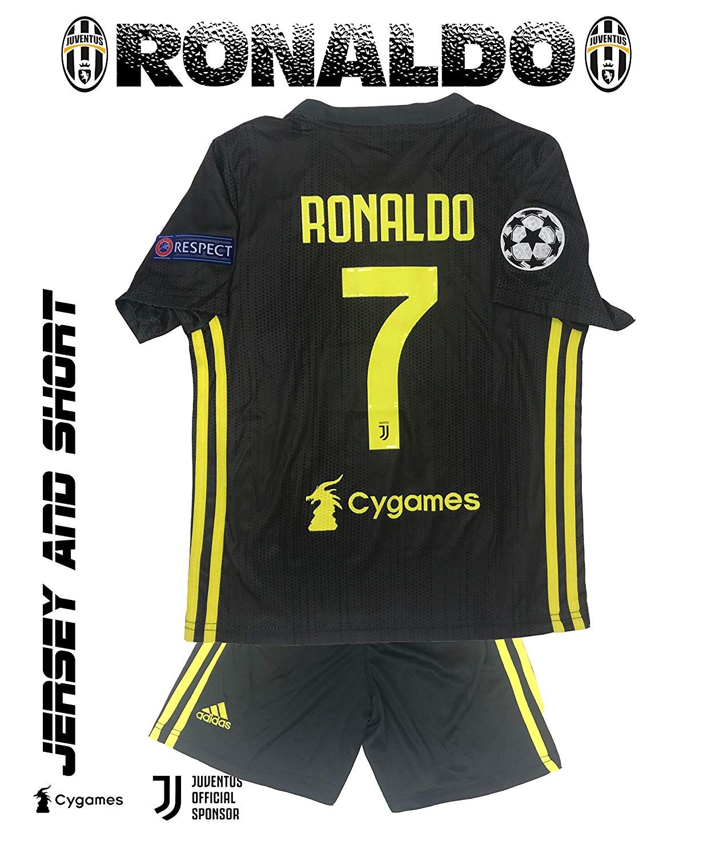 ab077686b02 GolPro Juventus Soccer Jersey for Kids - Juventus Ronaldo No.7 - Replica  Jersey Kit  Shirt + Short Includes All Patches. (Black
