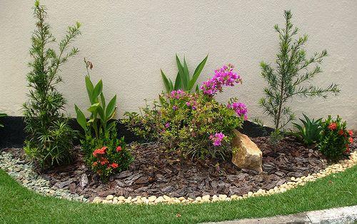 Modelos de jardins residenciais para frente de casa for Jardines pequenos simples