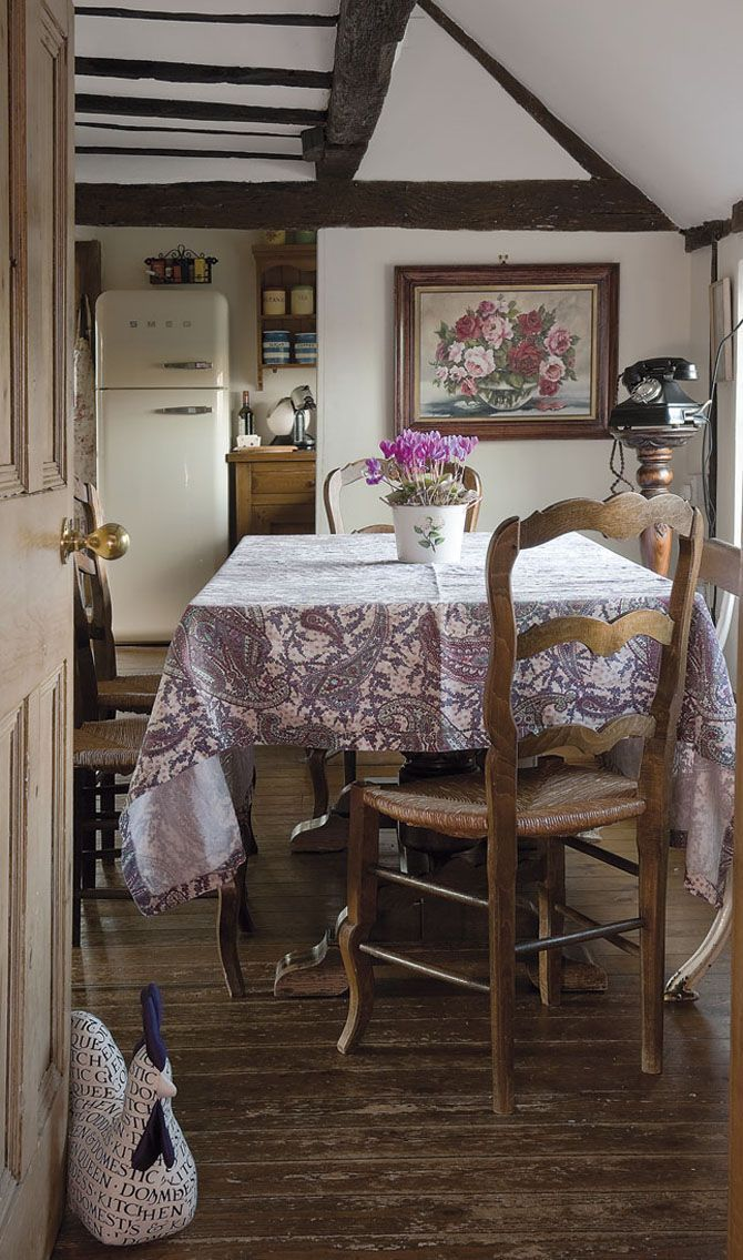 English Country House Dining Room: Scottish Countryside