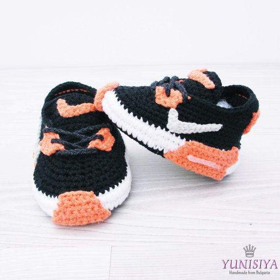 How cute are these?!! Crochet Baby Shoes Baby Street Shoes Baby ...