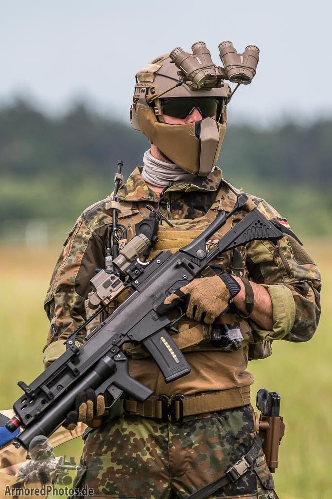 Futuristic Soldier Girl Wallpaper Kommando Spezialkr 228 Fte Photobw Info Weapons Special