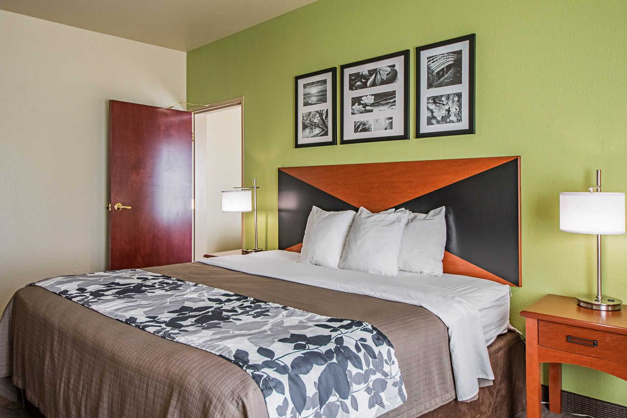 Hotel In San Antonio Tx Near Seaworld Offers Great Amenities To