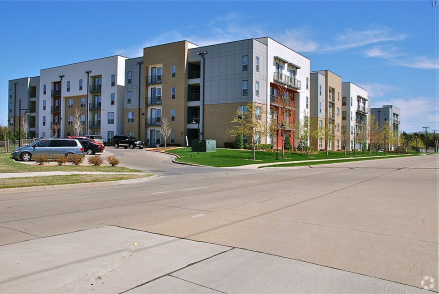 See All Available Apartments For Rent At Taylors Farm In Dallas Tx Taylors Farm Has Rental Units Ranging From Apartment Hunting Apartment Apartments For Rent