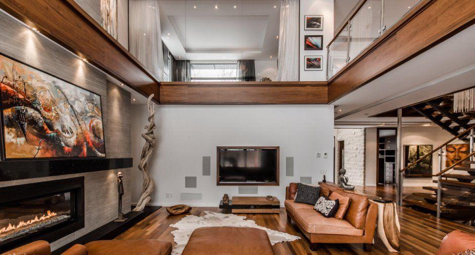 pour le style plafond cath drale dans salon et haut vitr. Black Bedroom Furniture Sets. Home Design Ideas