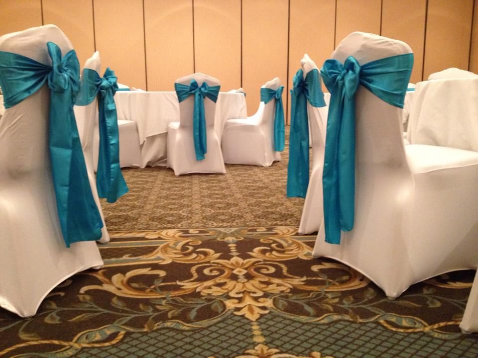 White Spandex Chair Covers With Malibu Blue Satin Chair