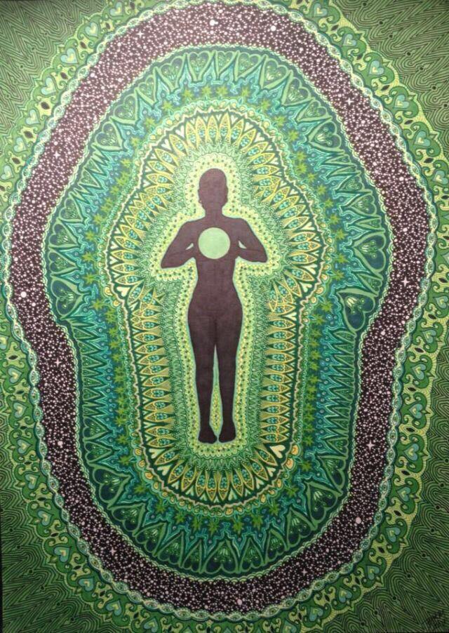 ٤ شاكرا القلب Heart Chakra ي رمز إليها باللون الأخضر وتقع فوق القلب مباشرة شاكرا القلب هي المسئولة عن الحب بشكل عام ف Chakra Anahata Chakra Heart Chakra