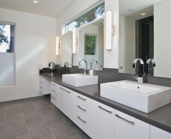 Badezimmer Grauer Boden Weiße Wand Badezimmer grau