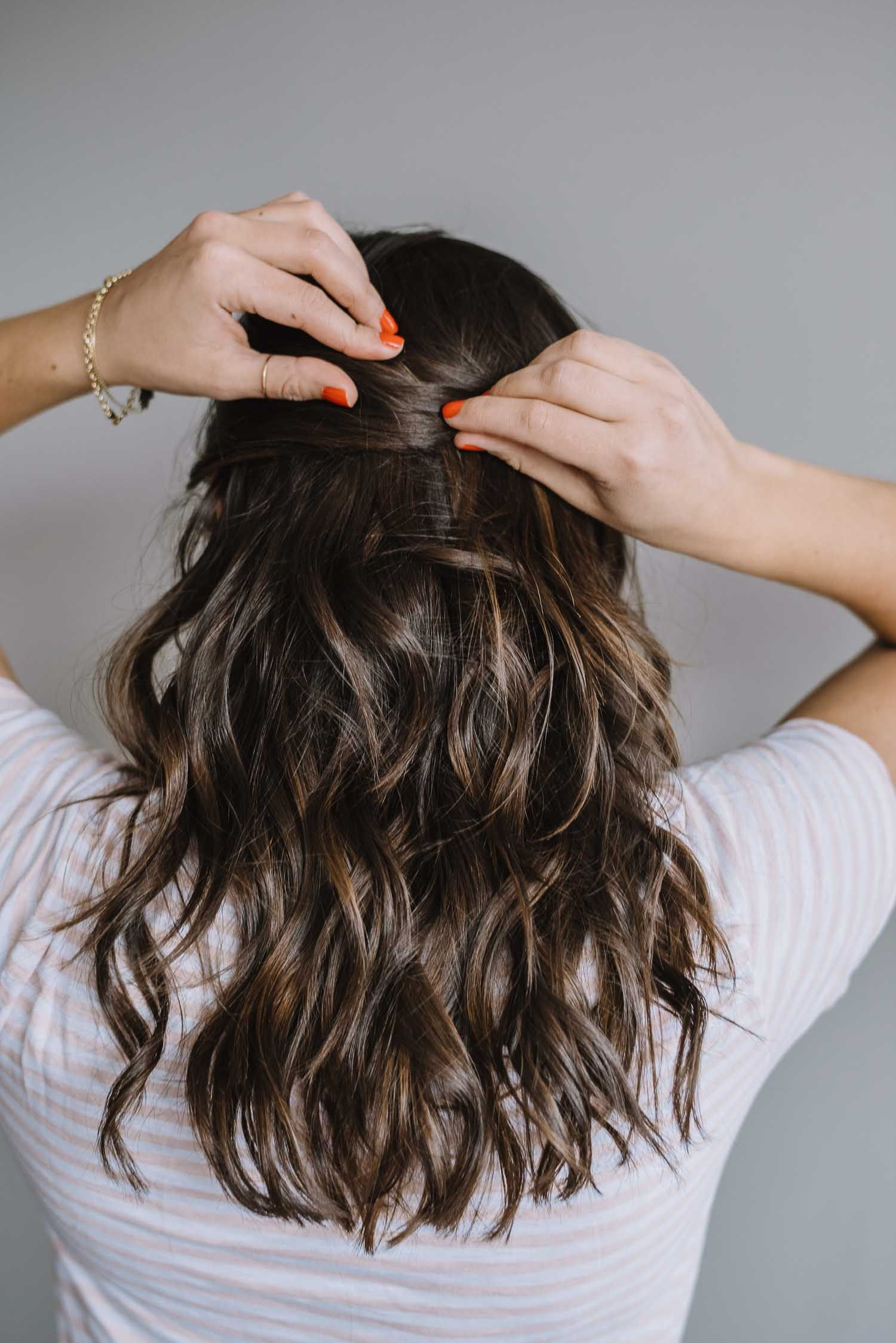 How To Do A Half Up Twist With A Gold Clip Beauty Pinterest