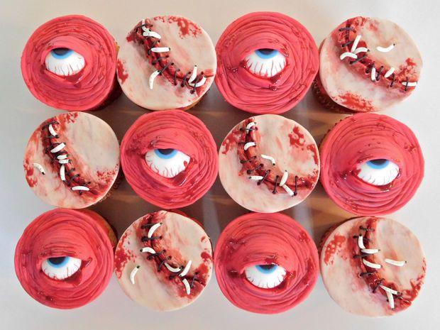 eyeball cupcakes halloween