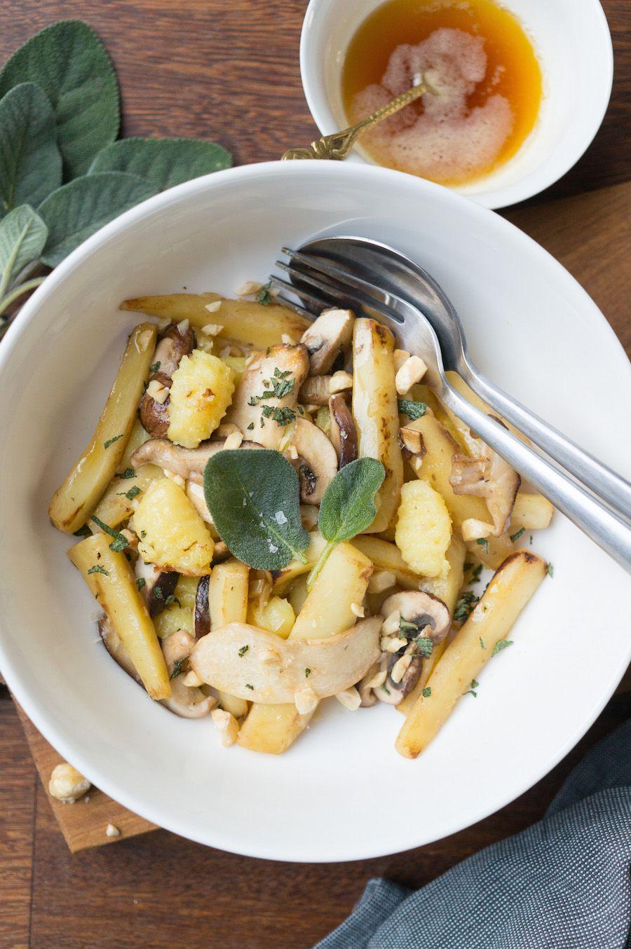 Gnocchi met pastinaak, beurre noisette, hazelnoten en salie