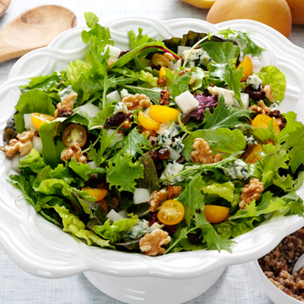 Selected as the 2013 Fisher My Fresh Twist Grand Prize Winner, this Walnut-Bleu Date Vinaigrette Salad from Lori in Denton, Texas is delicious! If you can't find Asian pears, try apples or regular pears. #thinkfisher #salad #winner