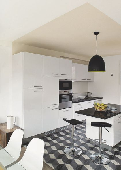 Cuisine ouverte  11 idées pour concevoir la sienne - peinture plafond mat ou brillant