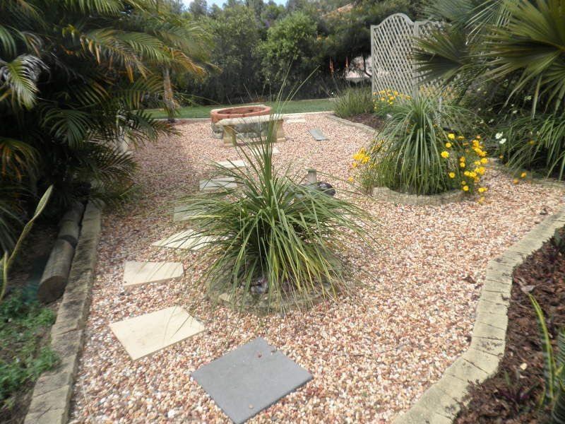 Ides Portfolio Landscaped Garden Design Using Pebbles