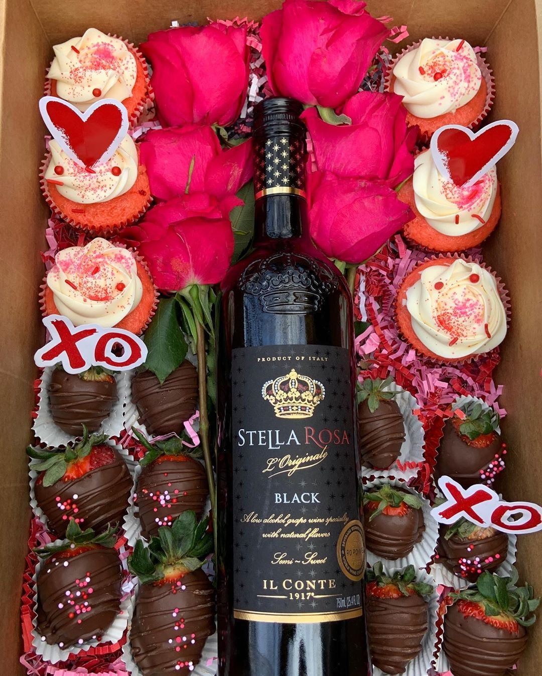 Bae Boxes Happyvalentinesday Valentinesdaygift Valentinesday2020 Love In 2020 Happy Valentines Day Custom Cupcakes Chocolate Covered Strawberries