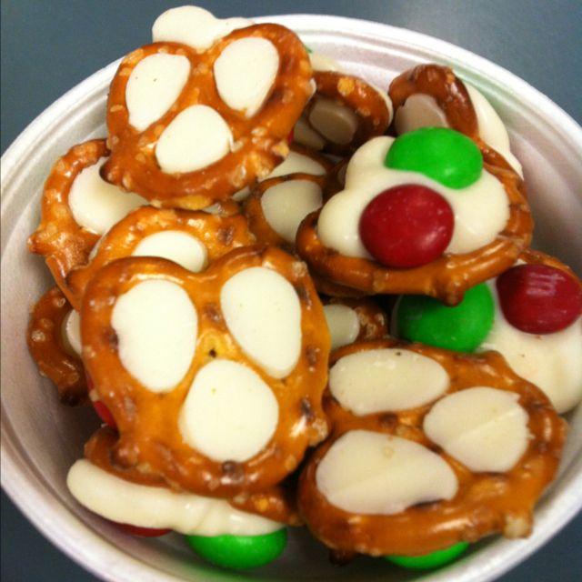 Holiday pretzel paw prints- too cute!
