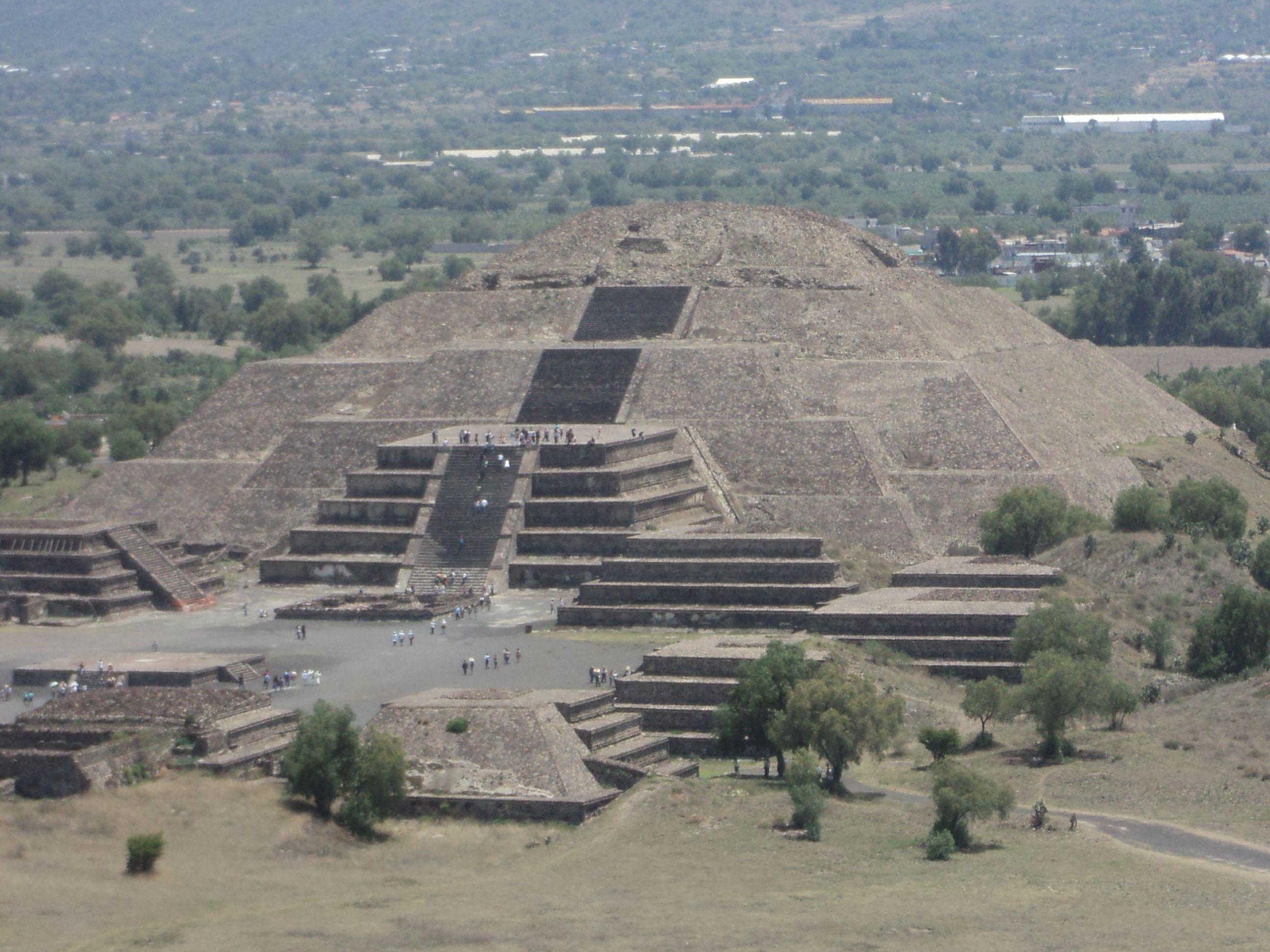 Piramide De La Luna Teotihuacan Estado De Mexico Mexico Teotihuacan Piramides Mexico Viajes